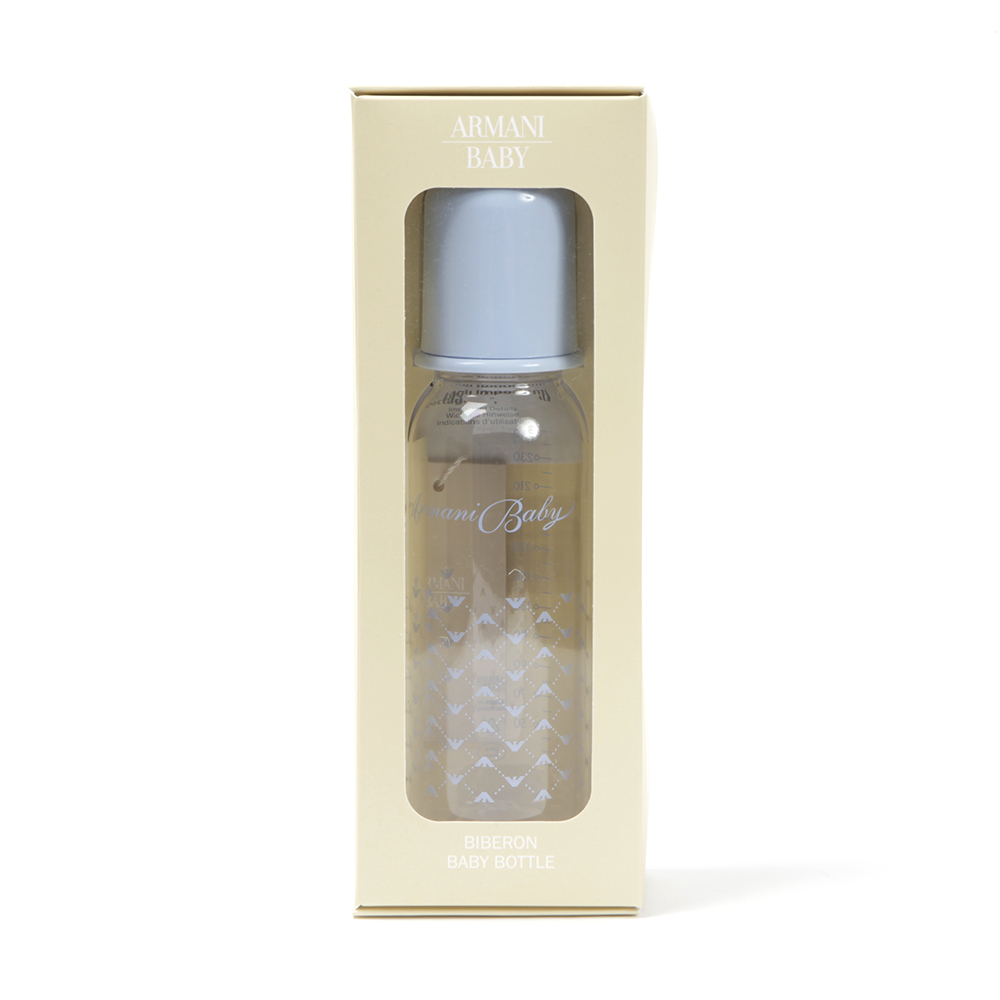Armani Junior Baby Bottle is the perfect designer accessory with it's pale blue lid and Armani logo print design to the body. The Armani Baby Bottle is shatterproof and holds 250ml.